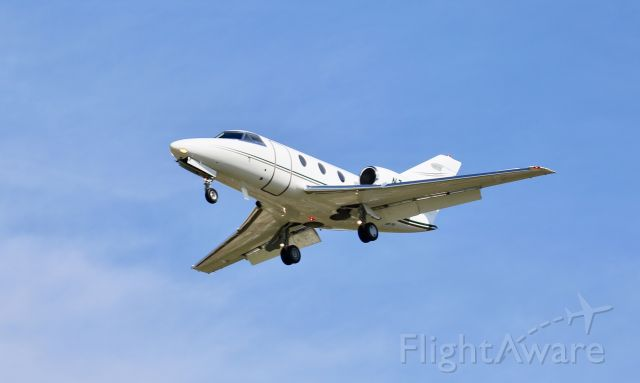 Dassault Falcon 10 (N711HF)