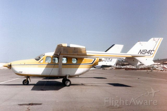 Cessna Super Skymaster (N94C) - Seen here in Jun-86.<br /><br />Exported to Mexico 15-Dec-97 as XB-HBB.
