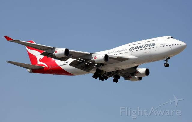 Boeing 747-400 (VH-OEG) - On Approach to Rwy 16R