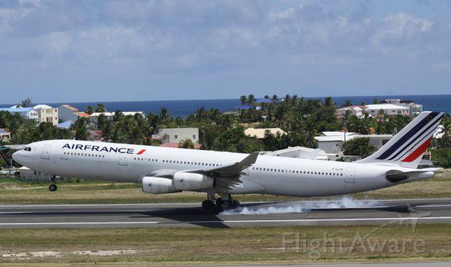 Airbus A330-300 (F-GLZK)