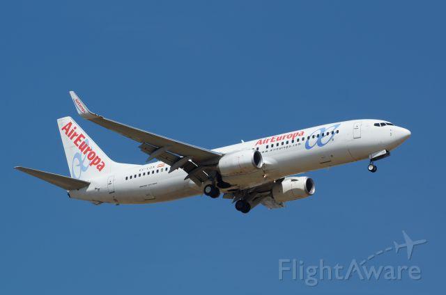 Boeing 737-800 (EC-LQX)