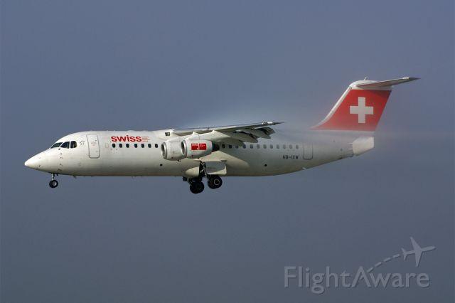 HB-IXW — - Avro Regional Jet RJ100, Swiss, LSZH Airport Zurich-Kloten, Switzerland, 20.September 2010