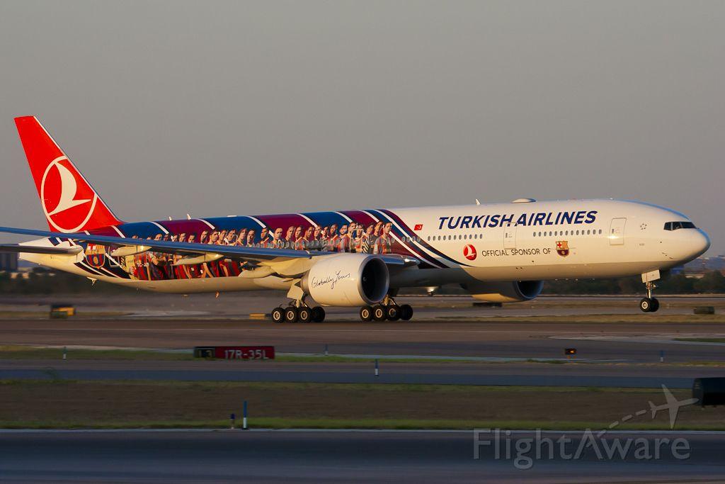 BOEING 777-300ER (TC-JJI) - Aug. 6, 2011.