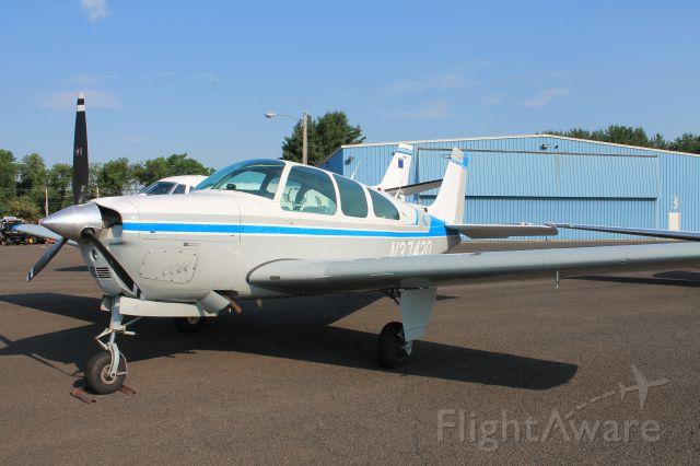 Beechcraft Bonanza (33) (N3742Q)