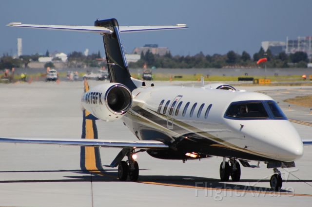 Learjet 45 (N475FX)