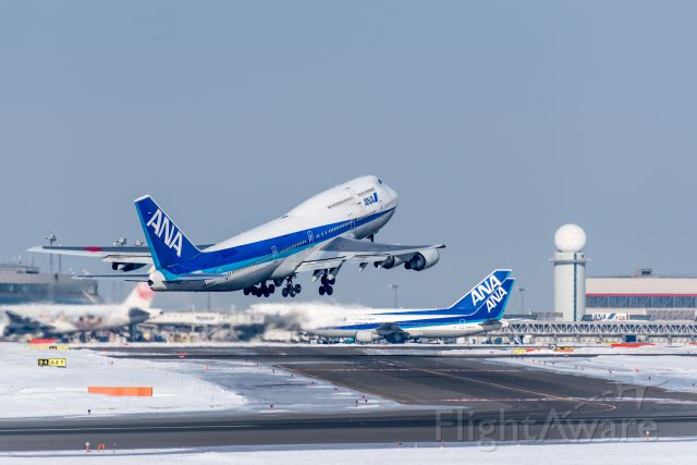 BOEING 767-300 (JA8960)