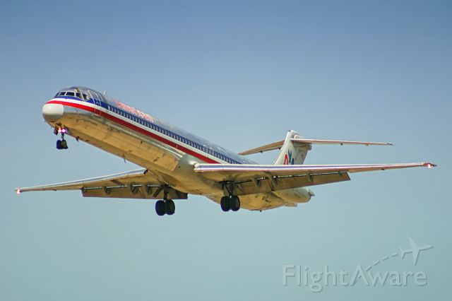 McDonnell Douglas MD-80 (N984TW)