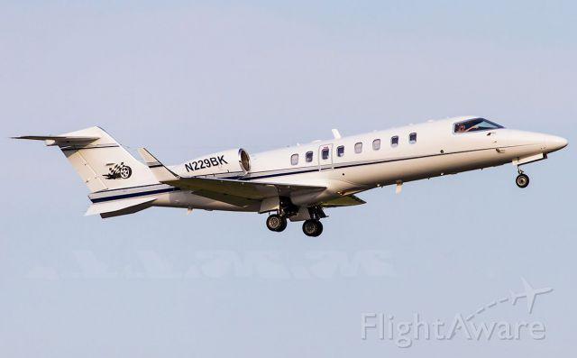 Learjet 45 (N229BK)