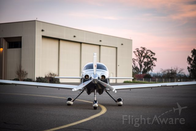 Cessna 400 (N799E)