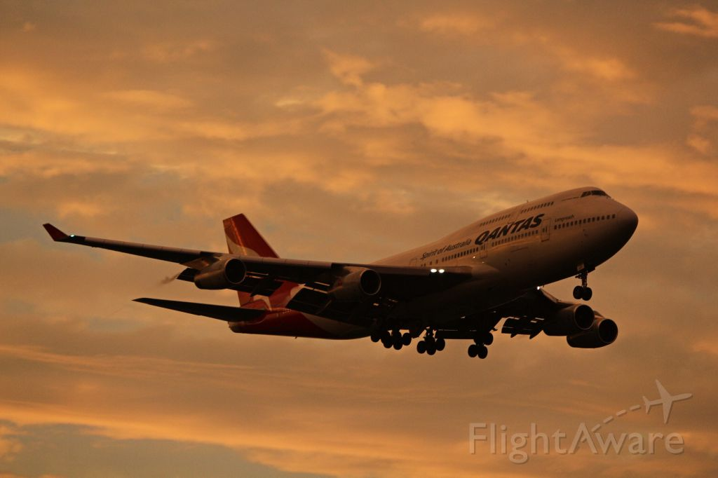 Boeing 747-400 (VH-OJU)