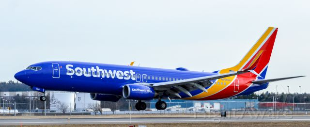 Boeing 737-800 (N8690A) - Shot with a Nikon D3200 w/ Nikkor 70-300mm<br />Best viewed in Full Size