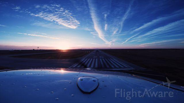 Rockwell Commander 114 (N527GT) - Final, Runway 26