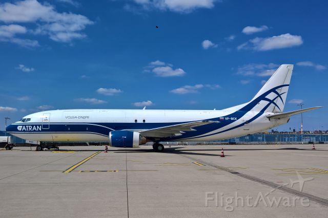BOEING 737-400 (VP-BCK)