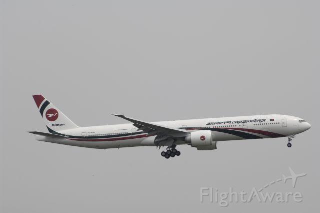 BOEING 777-300 (S2-AHN) - Final Approach to Tokyo-Haneda Intl Airport Rwy22 on 2014/06/25