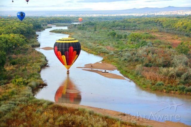 Unknown/Generic Balloon (N3218L) - 2014 Albuquerque International Hot Air balloon fiesta. Splash and dash into the Rio Grande.