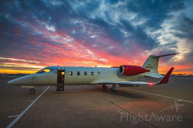 Learjet 60 (OHC991) - Sunset in Dallas.