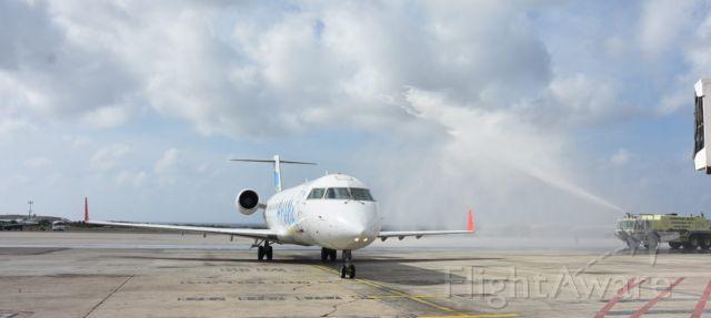 Canadair Regional Jet CRJ-200 (C-FXLH) - Aruba Airlines