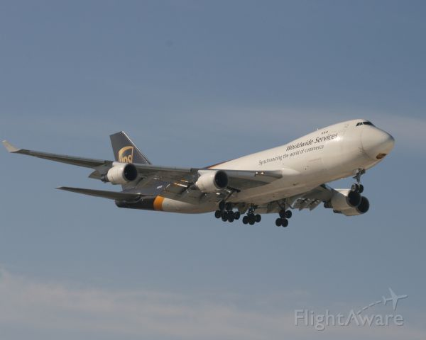 Boeing 747-400 (N581UP) - 3/13/11  Landing on 35L at Louisville.