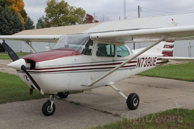 Cessna Skyhawk (N739UE)