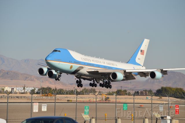 BOEING 747-300 — - Air Force One on Approach to 25L November 21 2014