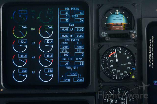 — — - Gulfstream - Plane view