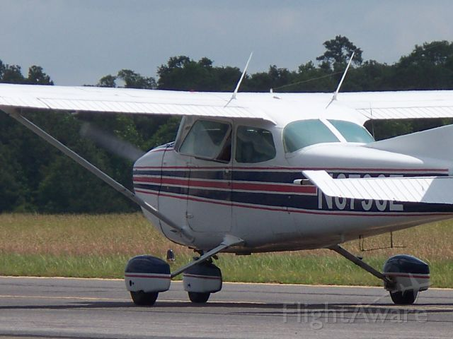 Cessna Skyhawk (N6796E) - A nice 172 taxiing down alpha for takeoff at Lone Star.