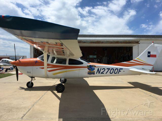 Cessna Skylane (N2700F) - Skydiving plane at Mustang Beach