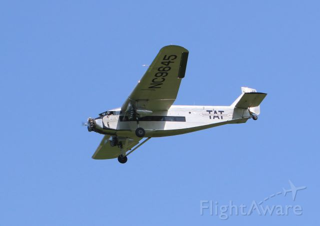 NC9645 — - Against a bright blue Kentucky sky, short final at KLEX is this 1929 Ford Tri-Motor in town for the weekend of May 10th-13th, 2018.