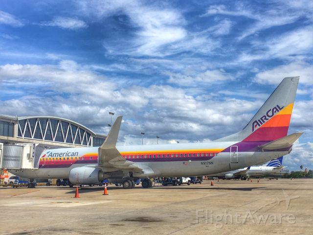 Boeing 737-800 (N917NN) - AirCal livery at TPA.