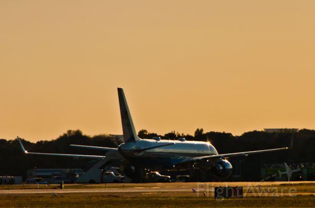 Boeing 757-200 (80001)