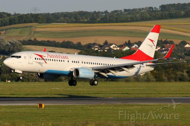 Boeing 737-800 (OE-LNJ)