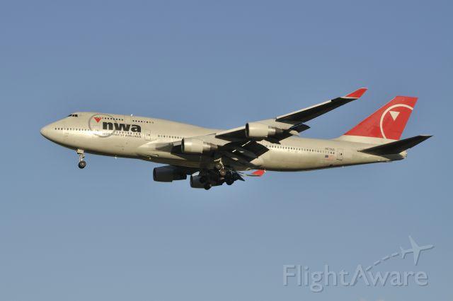 Boeing 747-400 (N673US) - 2009/11/3