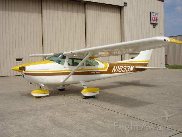 Cessna Skylane (N1633M)