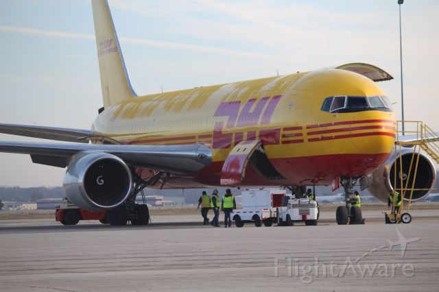 BOEING 767-300 (N284DH) - Getting loaded for a flight up to Oscoda Mich.
