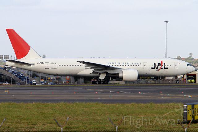 Boeing 777-200 (JA704J) - ON 23 NOV 2012