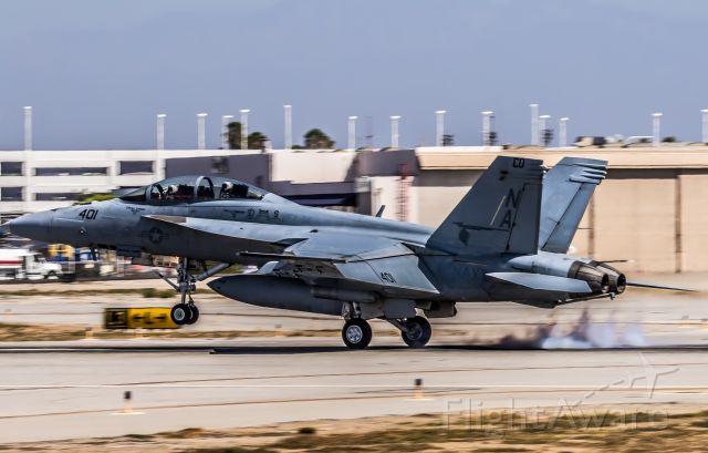 McDonnell Douglas FA-18 Hornet (16-5912)