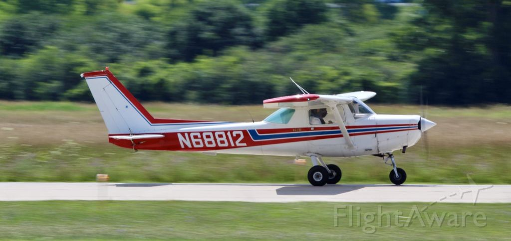 Cessna 152 (N68812) - Doing a couple touch and go's around ARB