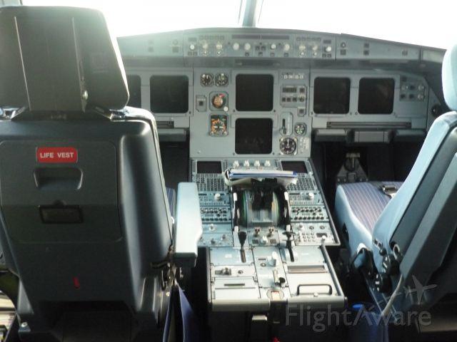 Airbus A320 (CS-TNP)
