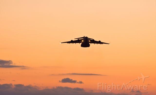 Boeing Globemaster III (17-7703) - cold sunsets