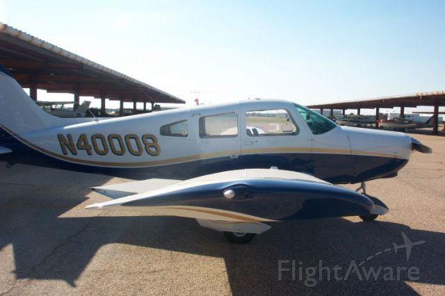 Piper Cherokee (N40008)
