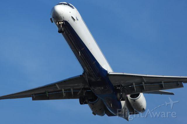 McDonnell Douglas MD-90 —