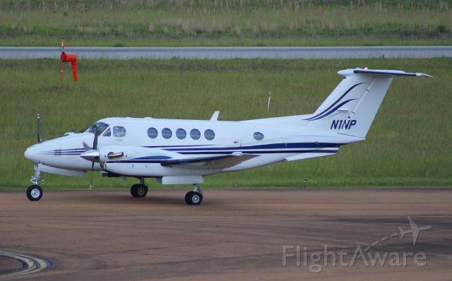 Beechcraft Super King Air 200 (N1NP)