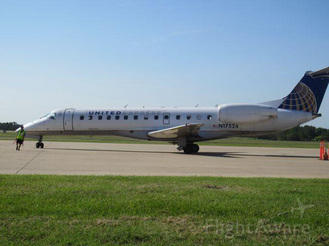 Embraer ERJ-135 —