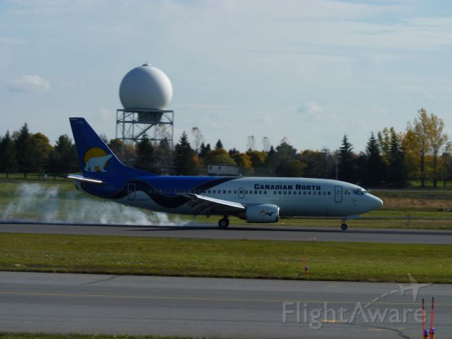 BOEING 737-600 (C-GCNK)
