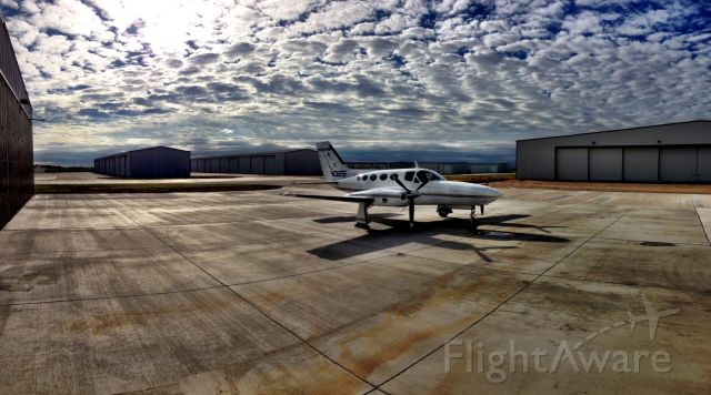 Cessna 421 —