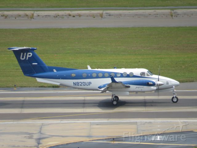 Beechcraft Super King Air 300 (N820UP)