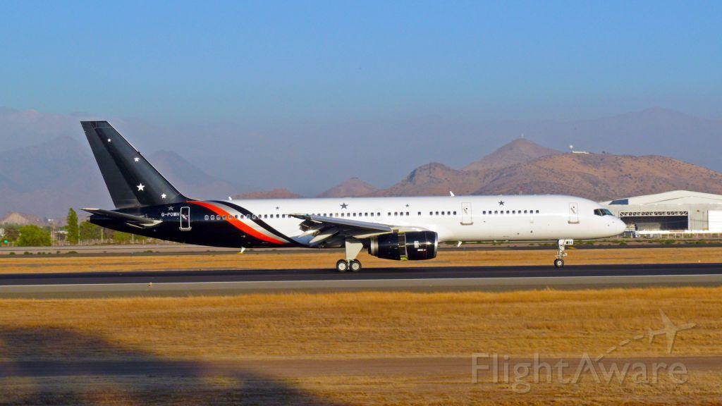 Boeing 757-200 (G-POWH) - FOTO SPOTTER JULIO VILLARROEL MAUNA<br />AEROPUERTO INTERNACIONAL ARTURO MERINO BENITEZ, SANTIAGO DE CHILE