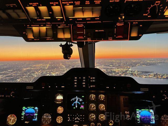 Raytheon Hawker 800 —