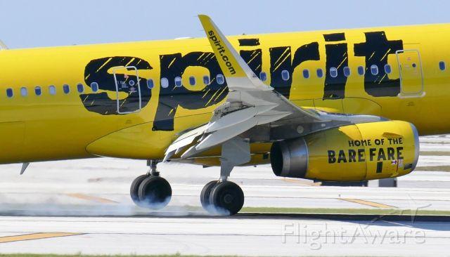 Airbus A321 (N657NK) - Correction: KFLL