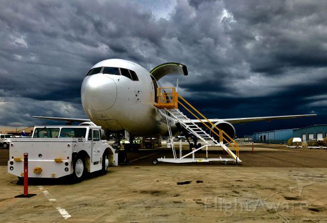 BOEING 767-400 (N761CK)